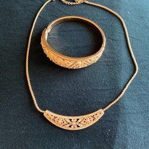 Woman necklace & bracelet set